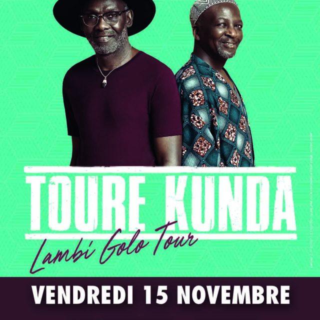 Touré Kunda sur la scène de La Cigale
